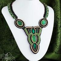 Šitý náhrdelník Feryal